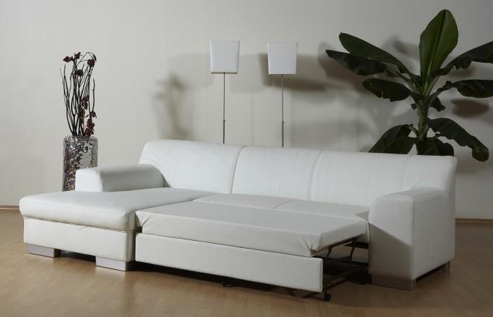 Кожаный диван-кровать